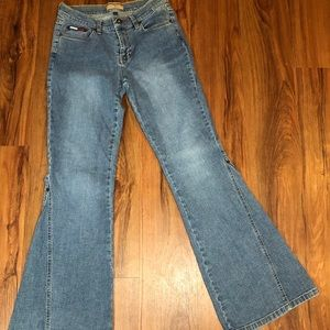 ⚡️Tommy Hilfiger old school flared jeans⚡️